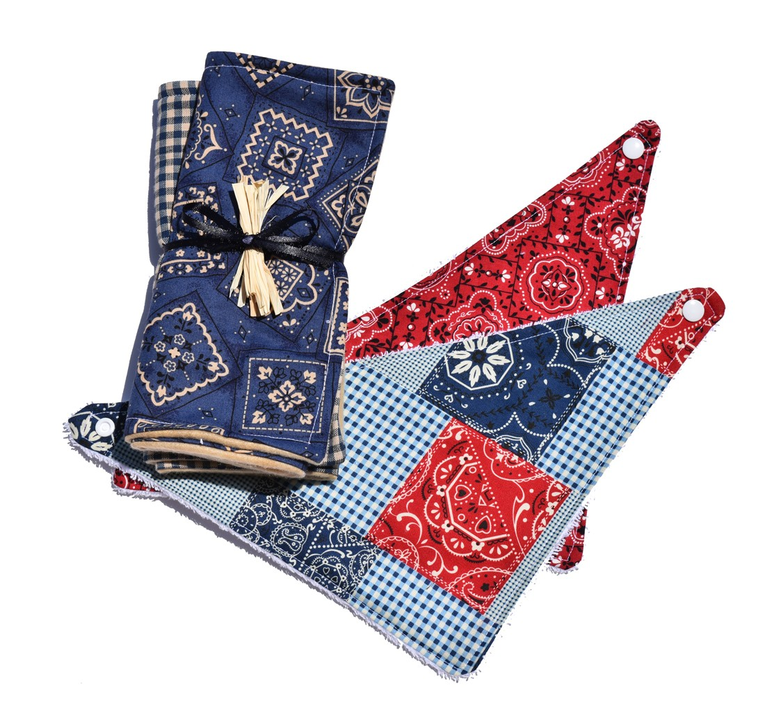 Bandana Blue/Gingham Burp-cloths with 2 Bib Gift Set